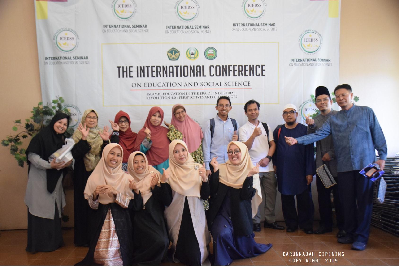 Keseruan Panitia Seminar Internasional (29)